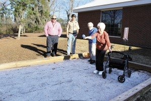 Bethea residents enjoying Bocce Ball