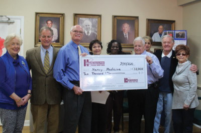 Credit union donates $10,000 to free clinic