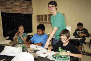 Former FDS1 student brings archaeology outreach program to local school