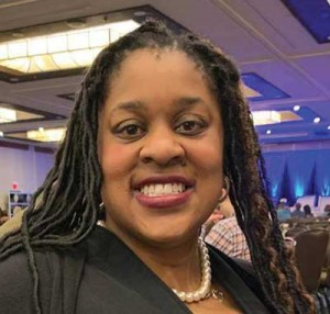 Nicole Echols receives Fred R. Sheheen Award for Excellence