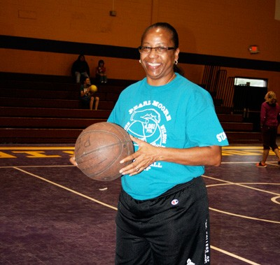 Pearl Moore to host girls basketball camp