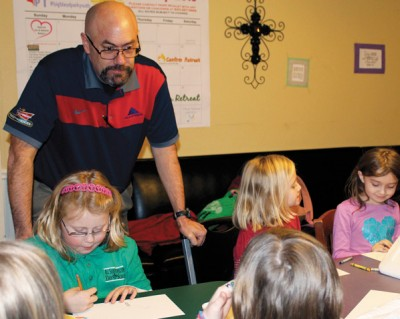 Dad becomes brownie leader to better understand daughter